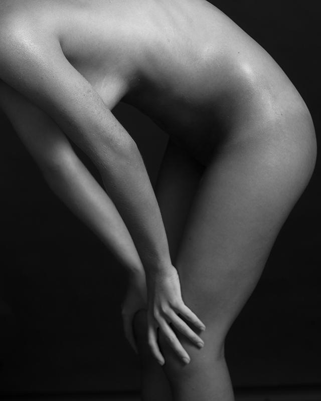 Nude001.jpg