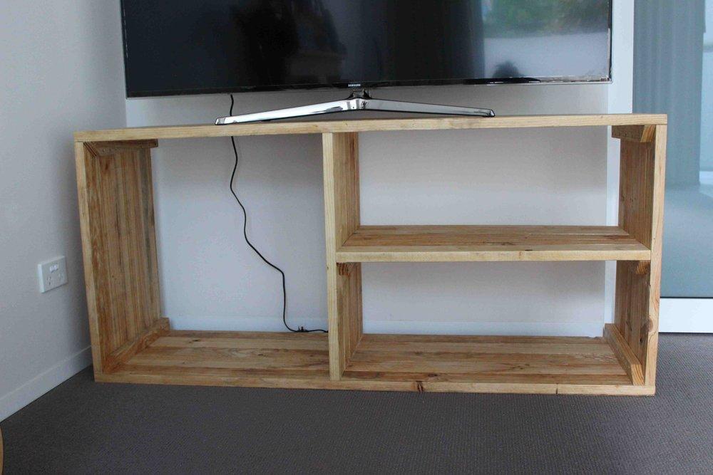 nina, entertainment and storage unit