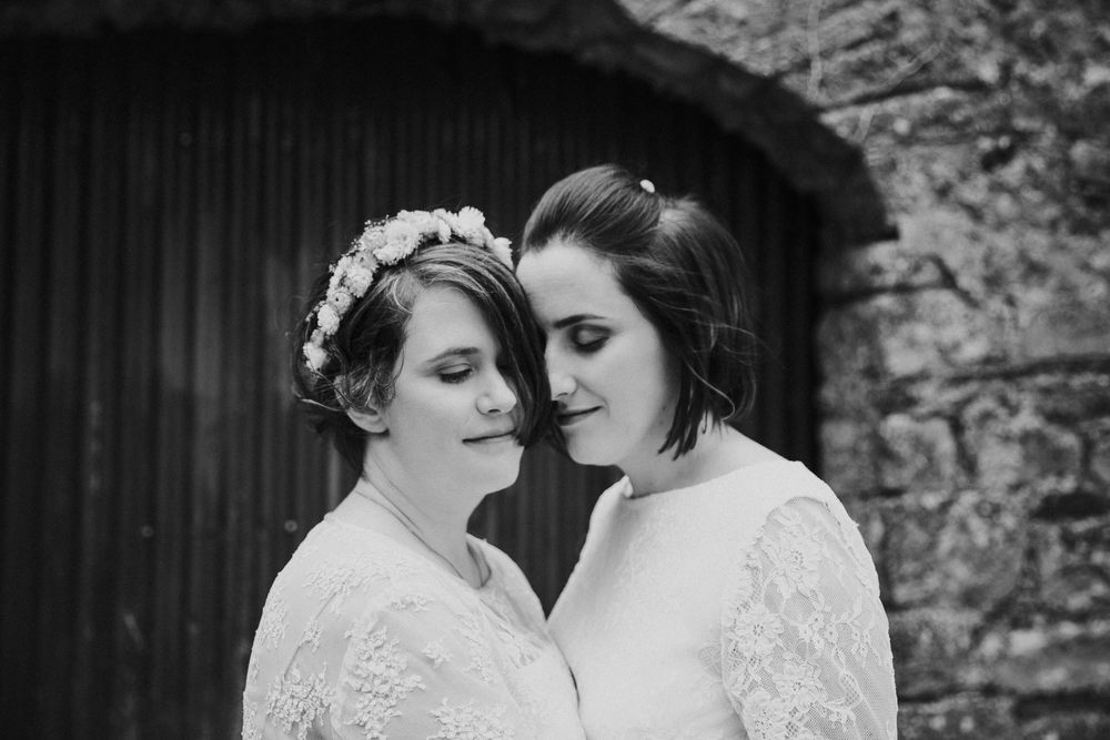 CLAIREBYRNEPHOTOGRAPHY-WEDDING-Ireland-cloncody-alternative-fun-Jen-Helena-17.jpg
