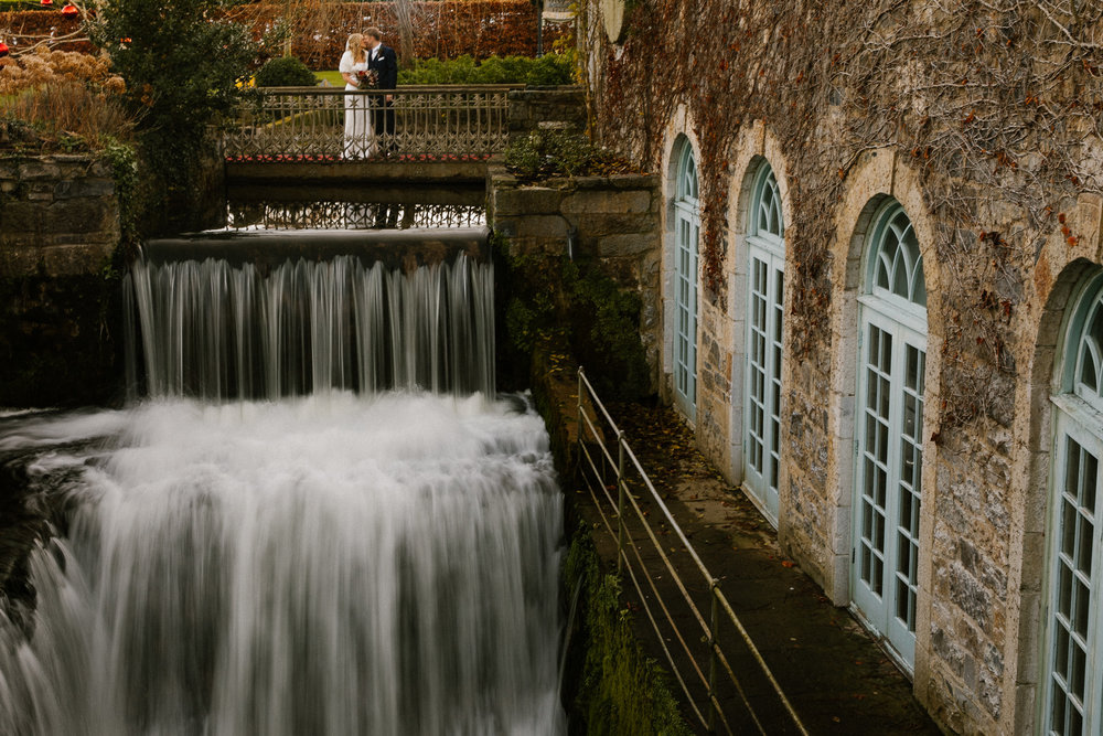 clairebyrnephotography-wedding-cliff-lyons-sparklers-christmas-clara-john-14.jpg