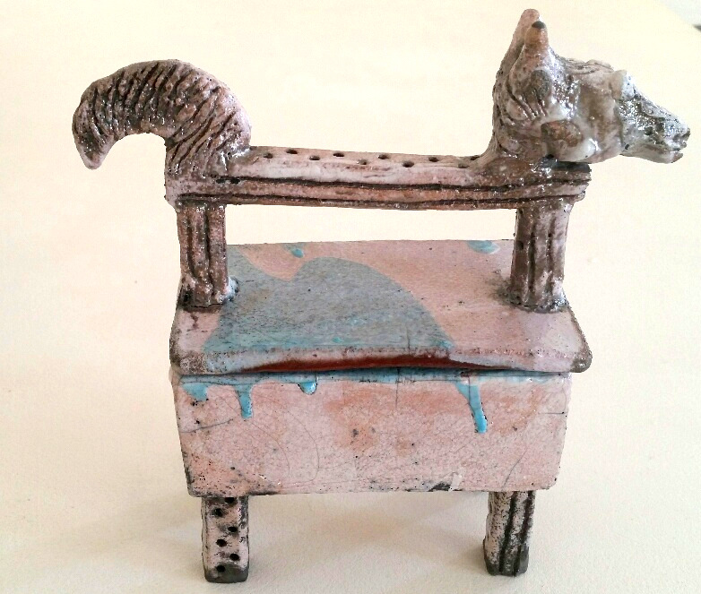 HORSE TRINKET BOX ON LEGS