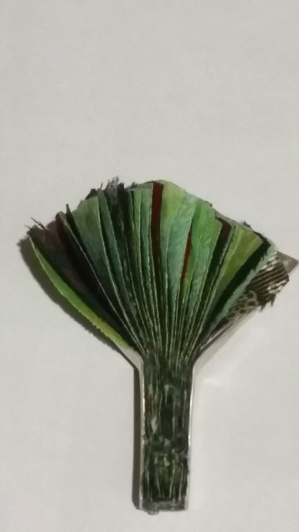 BROOCH SILK TREE
