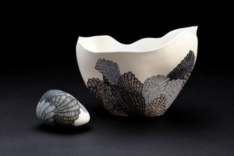 Boat Vase and Egg Set