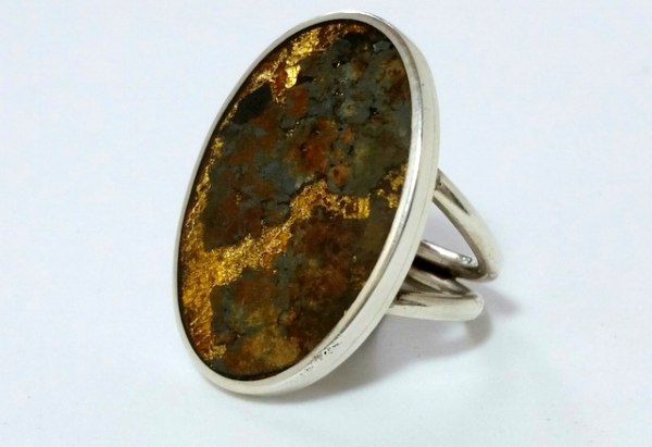 RING 2 FOUND OBJECTS