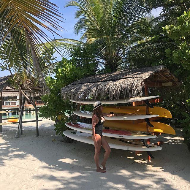Celles ci me semblent plus adaptées 😂🙈😁😋#sportnautique #holidays #paradis #paddle #YMCK. Cc @orza_luxury_swimwear_paris 👙. #nofilter 🏖🌍.
