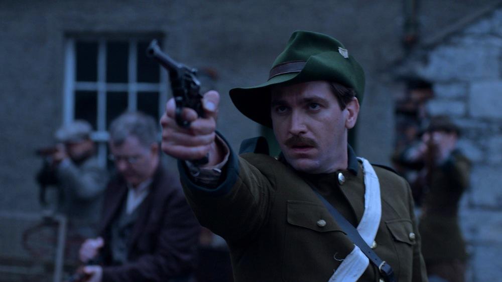 Cmdt. Ned Daly (Owen McDonnell) prepares to shoot British Lancer