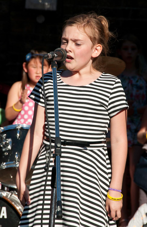 Adele-2.jpg