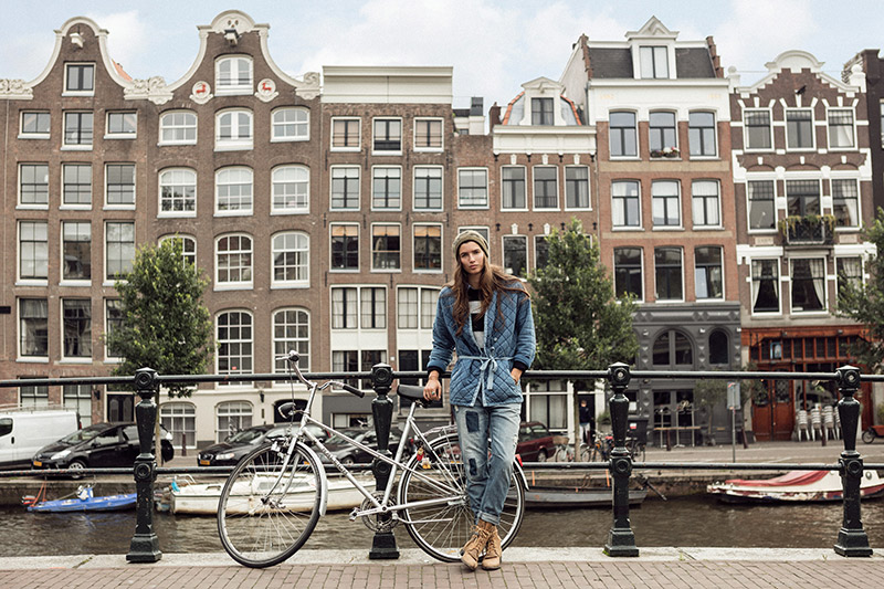 Lola in Amsterdam. Source: Scotch & Soda