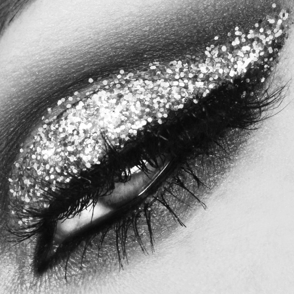 Sultry party look with glitter