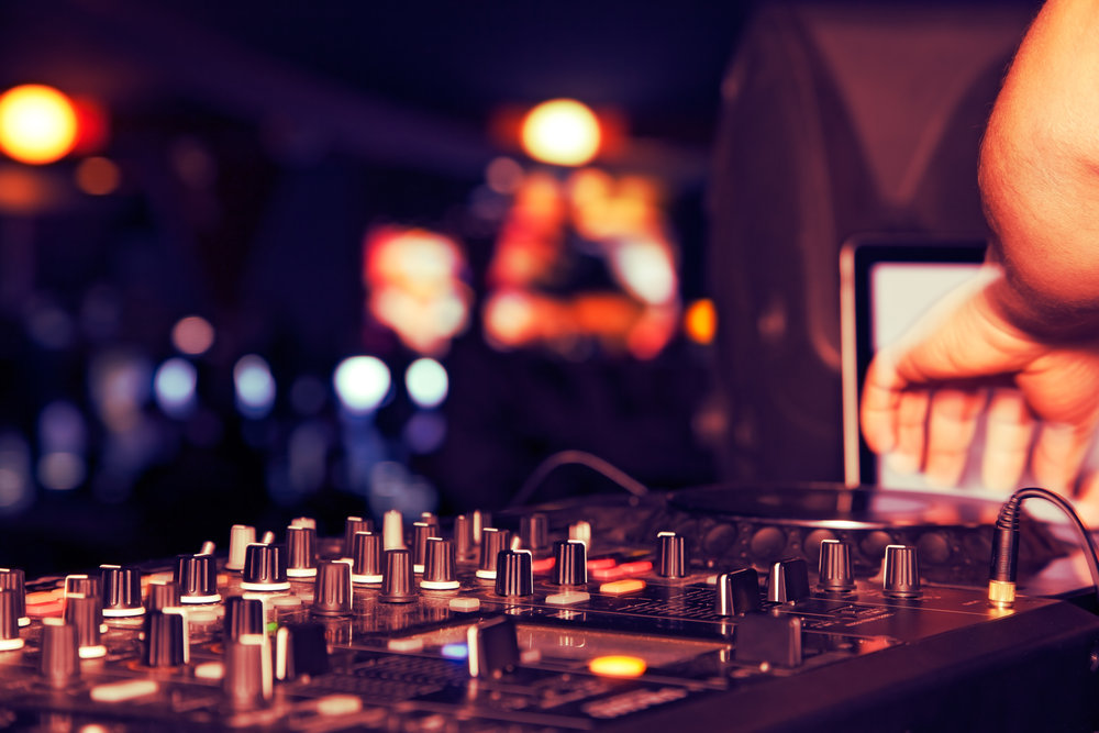 DJ & MC - ________