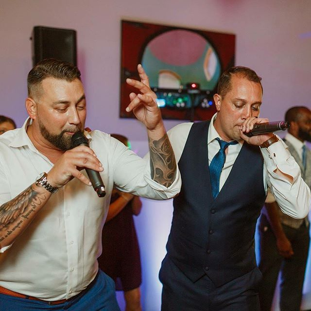 When the #Groom has his own rap album. #rapbattle #missouriwedding #dowvows  PC: @ohkatieday