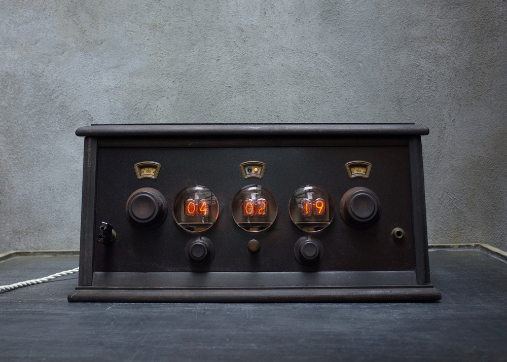 Nixie Clock 6 ©Hecho Inc.jpg