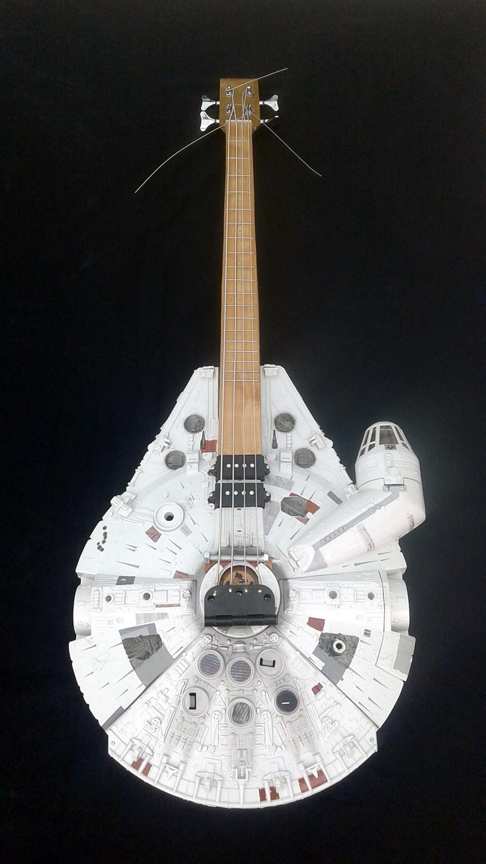 Millenium Falcon Bass 1.jpg