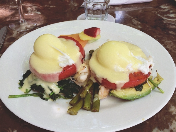 Lobster Benedict a la Blue Heaven