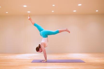 Hialee Howard Yoga || MrsRobbinsSparkles.com