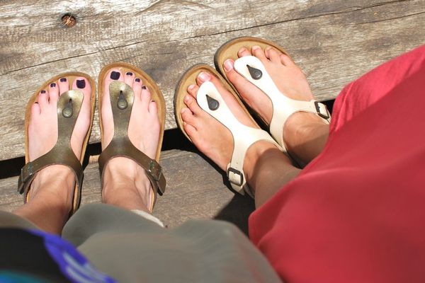 Hollywood Housewife introduced me to Birkenstock Gizeh sandals
