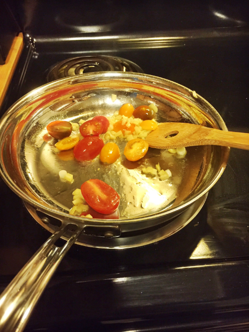 Cooking tomatoes for Blue Apron || MrsRobbinsSparkles.com