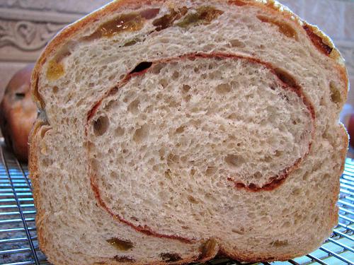 cinnamon-raisin-bread-04