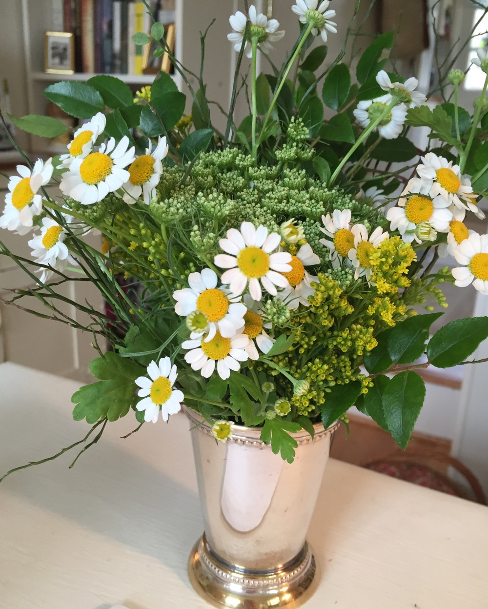There seems to be flowers for other holidays, so I purchased a small bouquet for my desk.What is recommended for Leap Year?