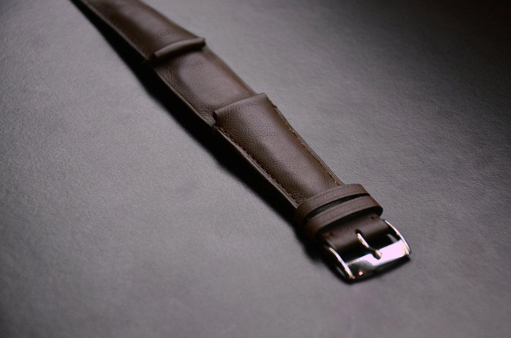 plain-brown-strap_29046865495_o.jpg