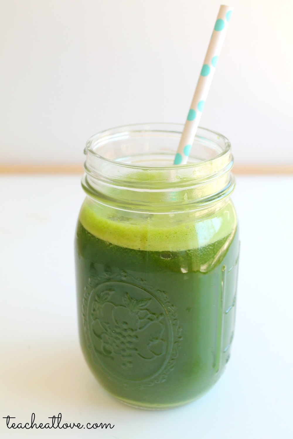 Spicy GREEN Manic Monday Anti-OX: 1/2 jalapeno 2 lemons 1 head living lettuce 1 green apple 1 avocado 1 bunch blueberries