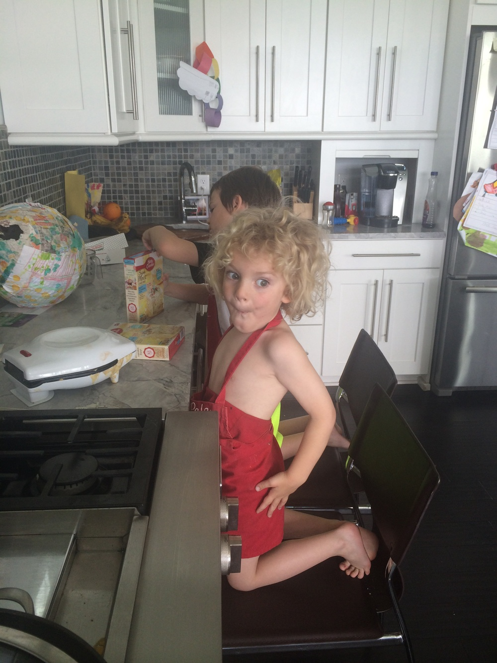 Baking Vernys cake for tomorrow!!!! 3 years old😢😢😢😢time flies....