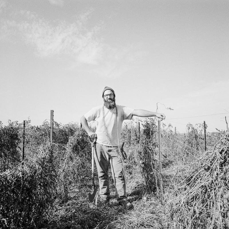 John Williams Maataloustyöntekijä Champaign-Urbana, USA 2015 Toiveeni on viljellä maata perheeni mailla, jotka isoisoisäni, jonka mukaan minut on nimetty, aikanaan hankki, ja jatkaa luonnonmukaista viljelyä, myydä satoa torilla ja kaikkea sellaista.   Lehdistökuva ladattavissa tästä.