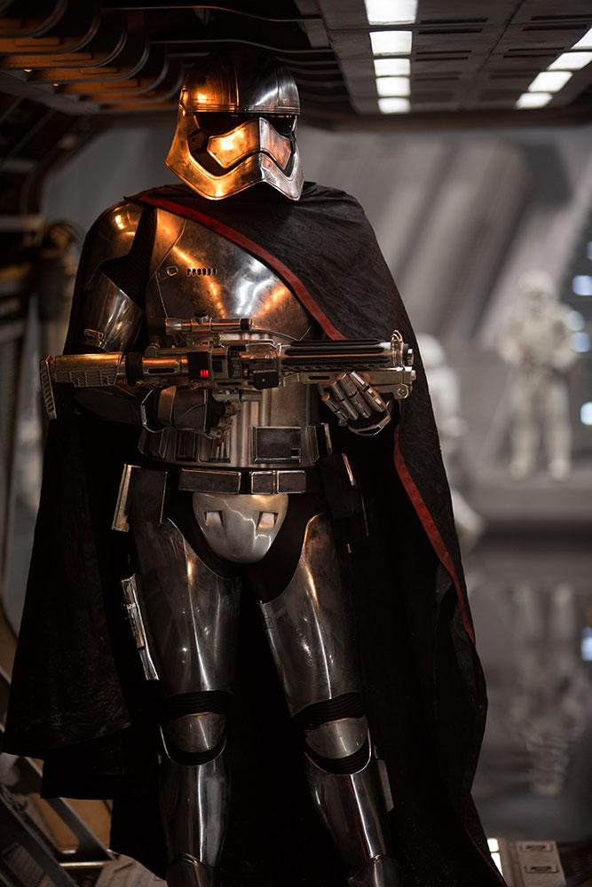 Star Wars Trailer Captain Phasma.jpg