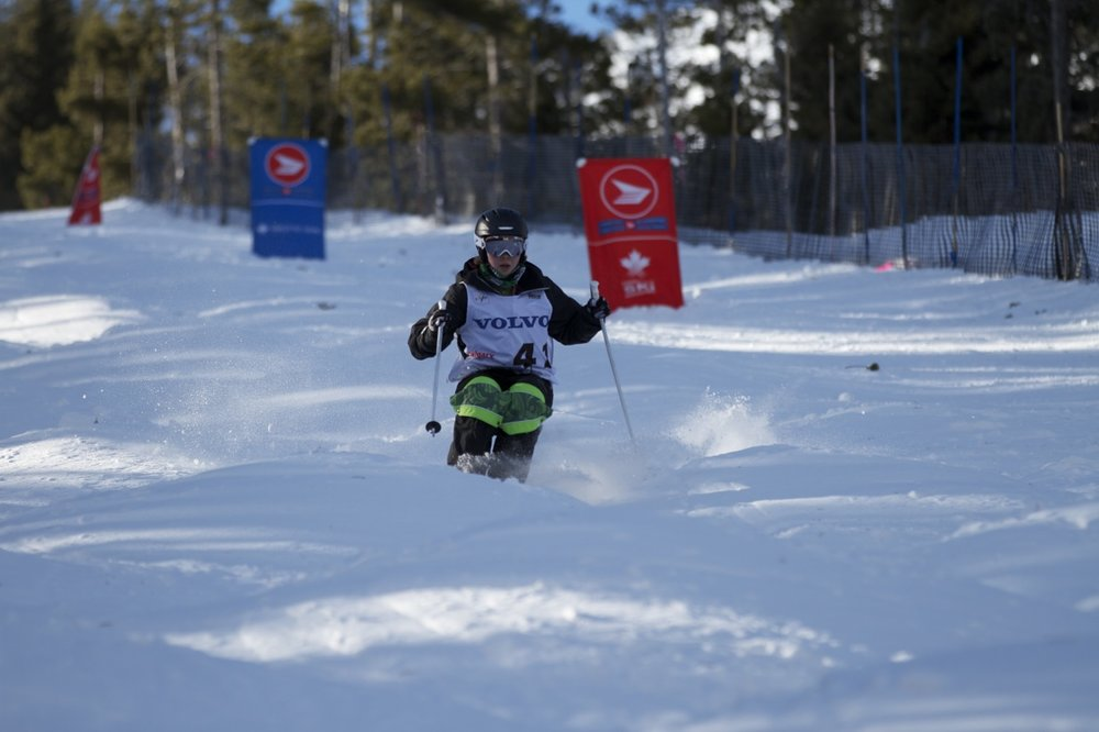 Competing at the 2014 Castle Mountain Canadian Series