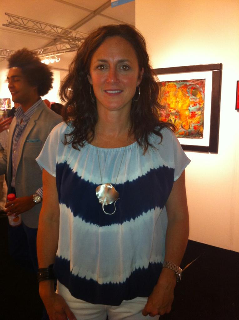 Christophe de Menil sting ray necklace worn by Liz Lattanzio at artMRKT Hamptons!