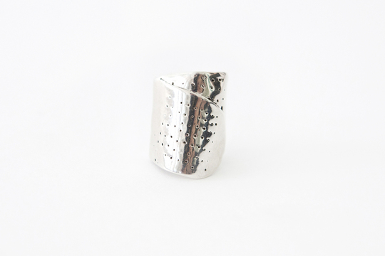Did you know…   that Michelle Lopez conceptualized her popular band-aid rings while she was making her brother's wedding ring? Her unique ring design iconizes our wounds by commemorating band-aids with precious metal. Buy your band-aid ring now on the  GREY AREA website !