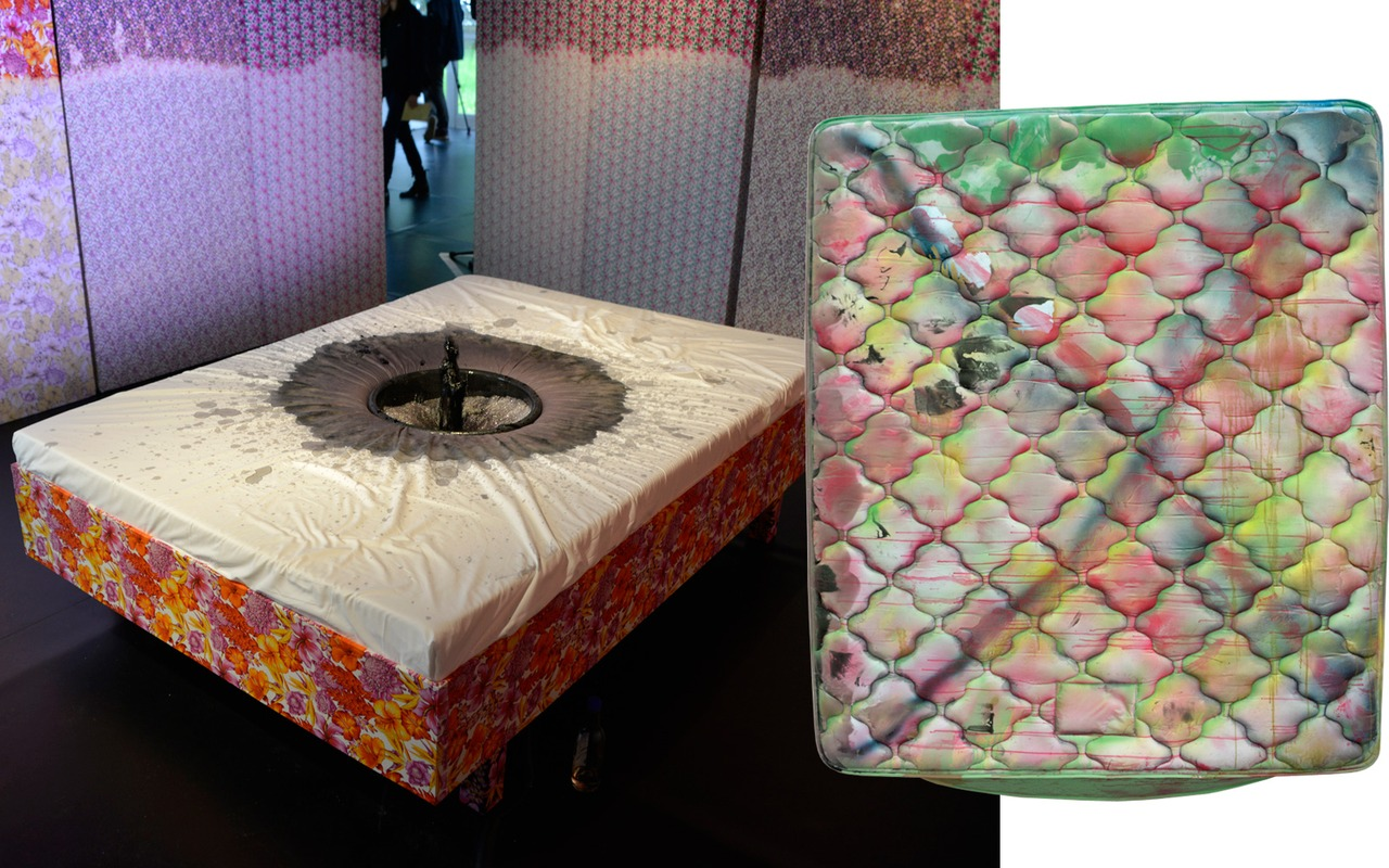 Mattresses were all the rage at Frieze London.   Microtrends via T Magazine:    http://nyti.ms/1i2Srih