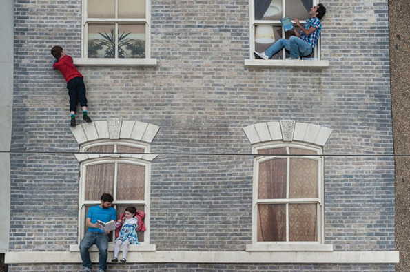 Artist Leonardo Erlich is a Master of Illusion! He uses a painted building façade and a hanging mirror to create his trippy Dalston House. This 3D installation in London tricks the eye into believing that visitors are either climbing up the building or dangling dangerously, providing hours of amusement to all! Read about the innovative installation in  It's Nice That !