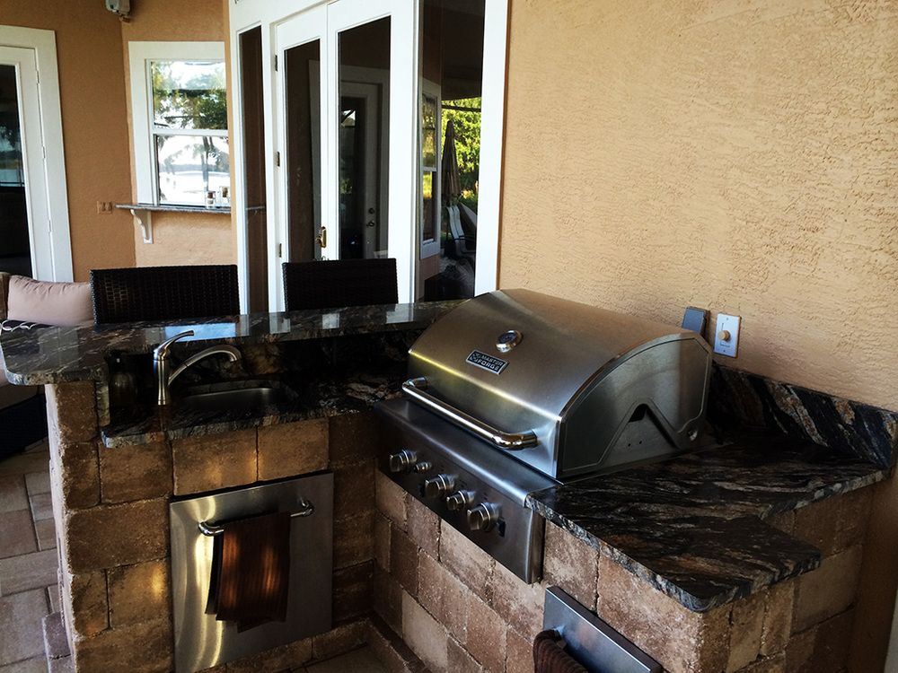 OutdoorKitchen04.jpg