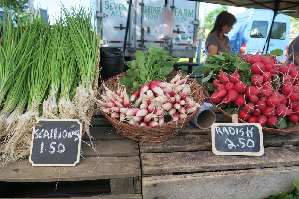 Farmers Market - Buzz's Garden