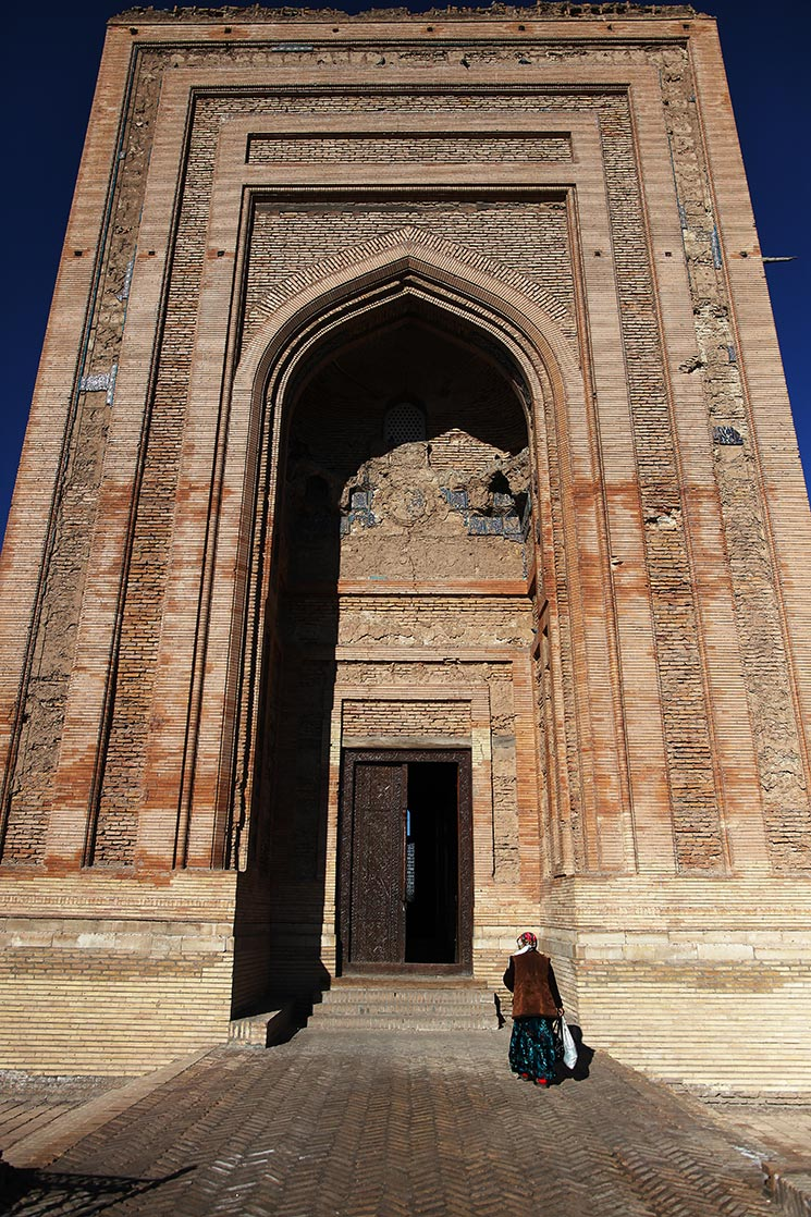 The door of  Turabek-Khanum Mausoleum   (1404) | TURKMENISTAN