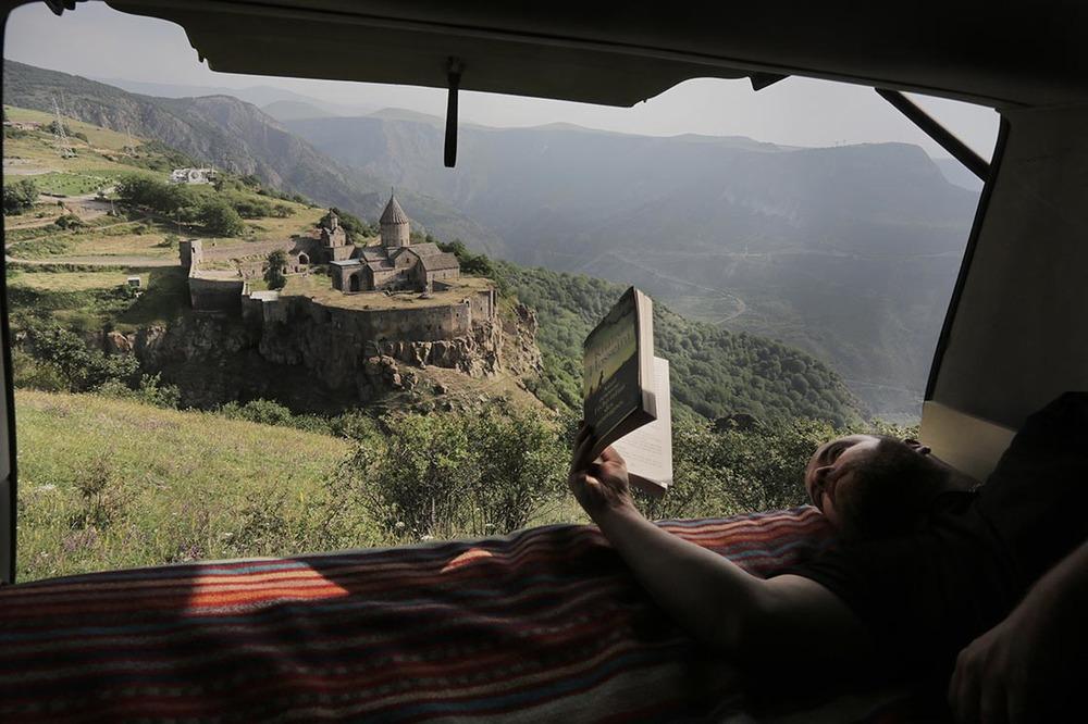 Waking up overlooking the Tatev monastery | ARMENIA / Se réveiller en surplombant le monastère de Tatev  | ARMENIE