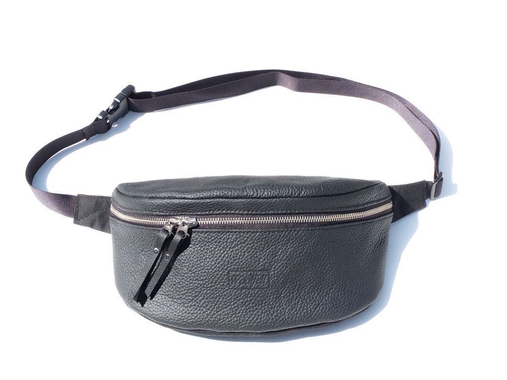 Summer's it bag:  Waist / Sling bag - Available in 5 colors