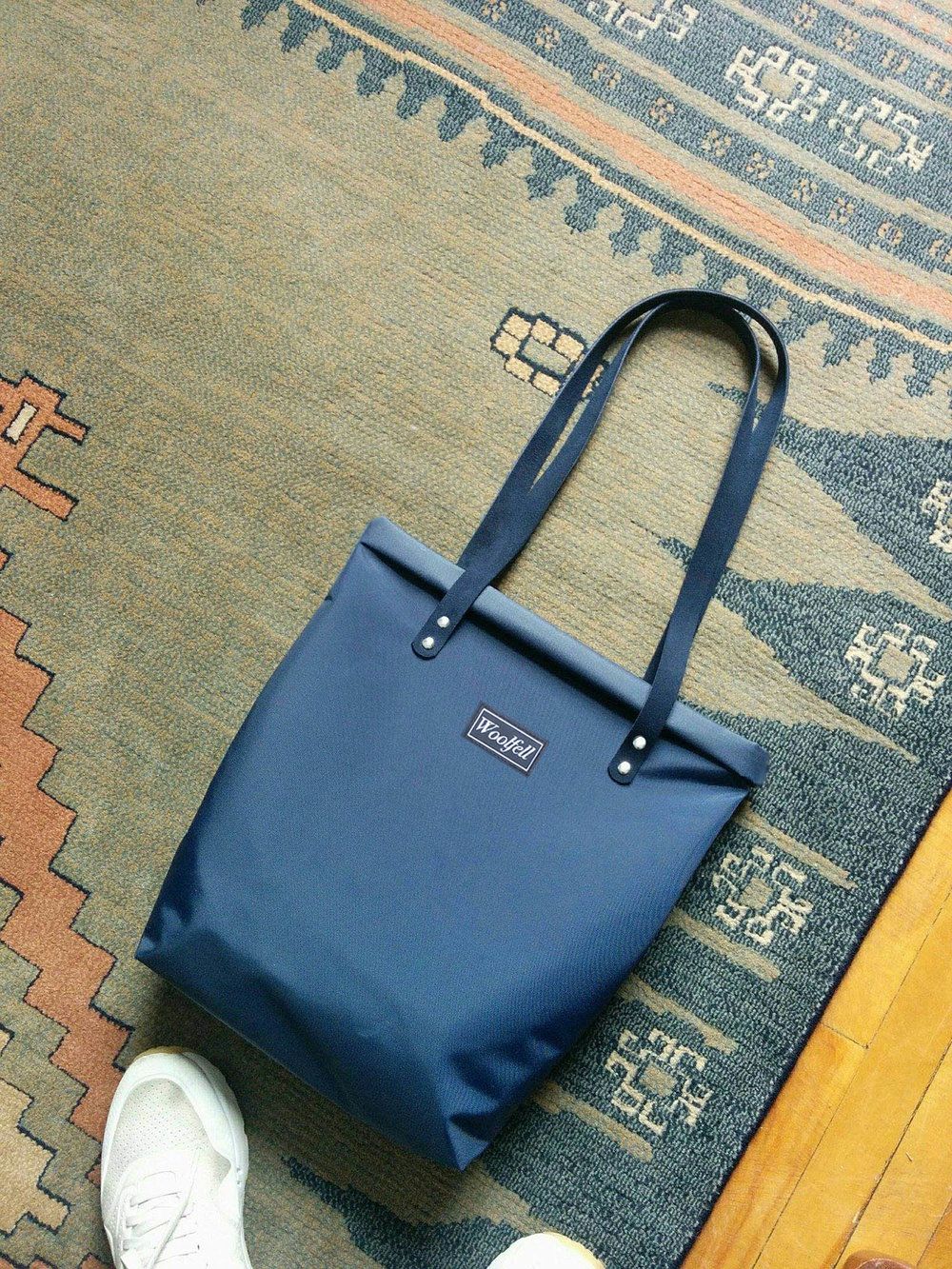 Nylon tote bag with suede handles