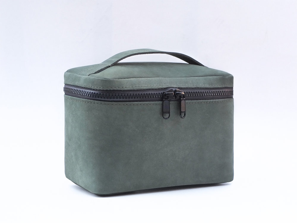 'BOX' Leather dopp kit
