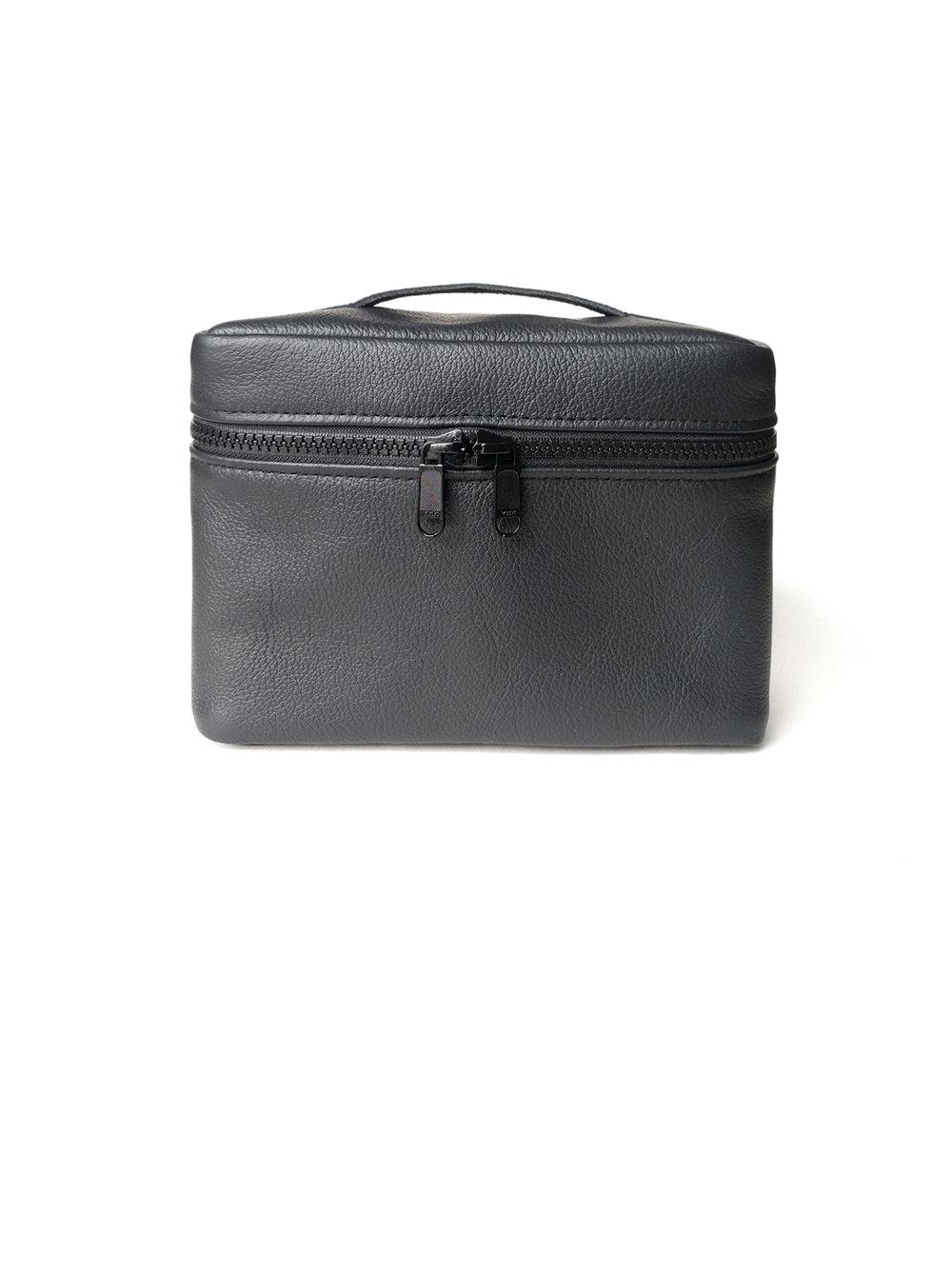 Box leather dopp kit - 90.00$