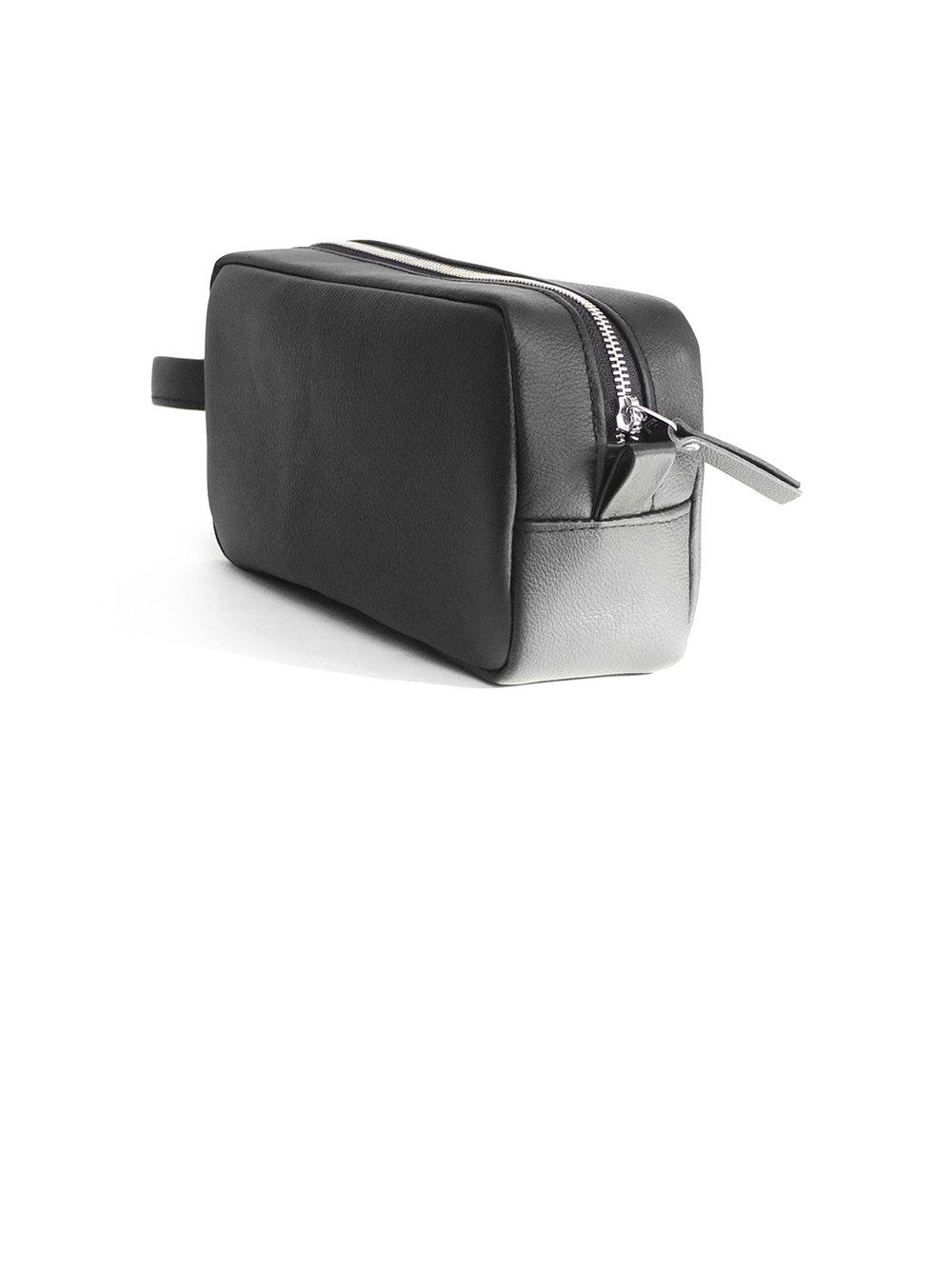 Leather dopp kit - 90.00$