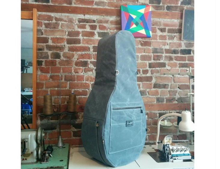 Étui d'hiver pour guitare égyptienne - Egyptian guitar winter case