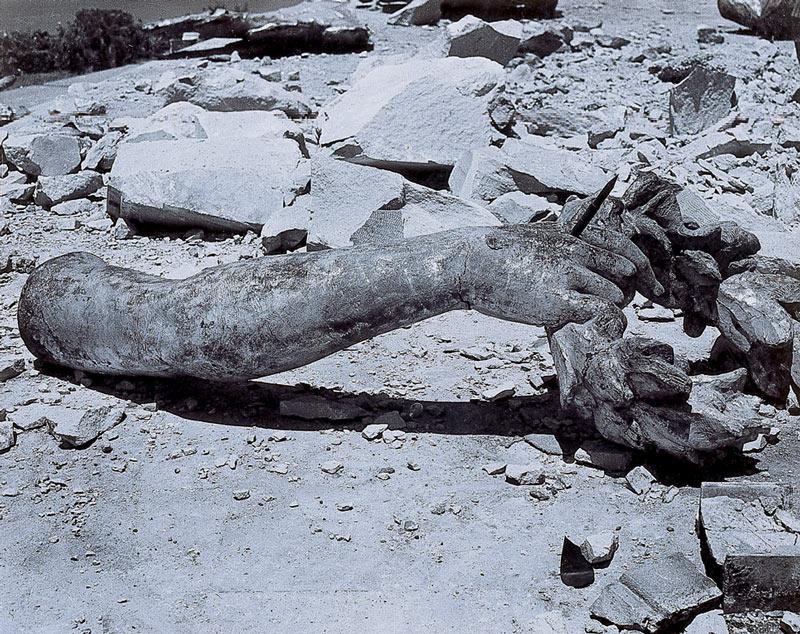 Ángel-del-temblor,1957.jpg