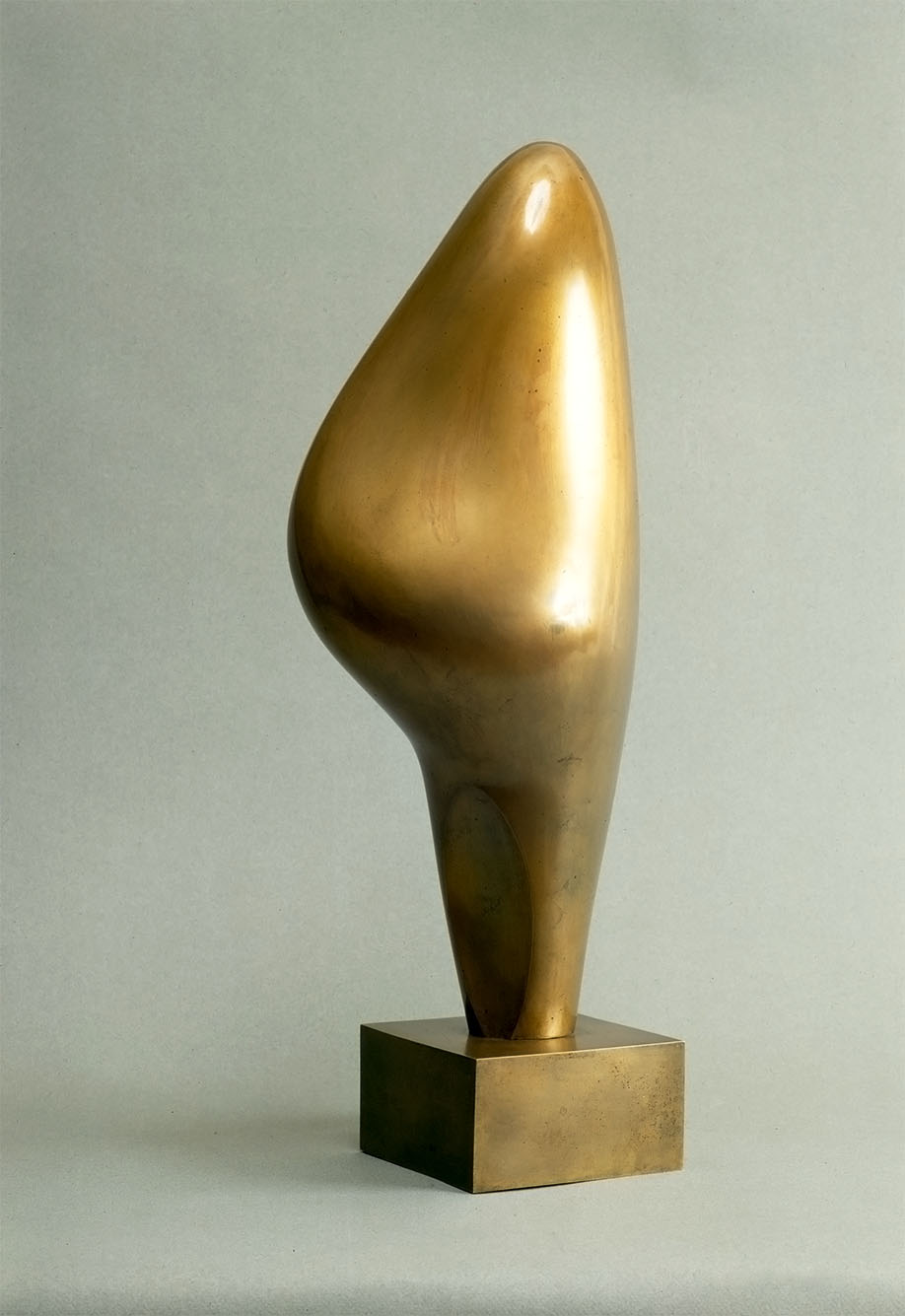 19. Jean Arp, Bourgeon d'C_clair, 1965. Photo B. Veignant, droits rC_servC_s.jpg