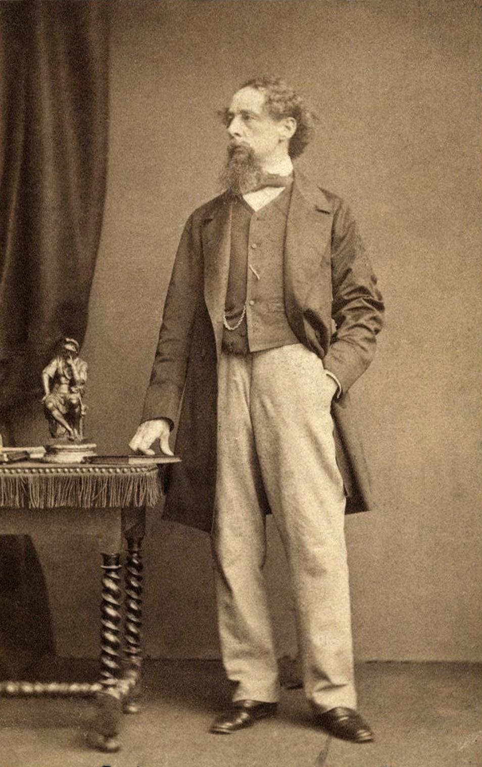 Charles_Dickens_by_Watkins_c1860s.png
