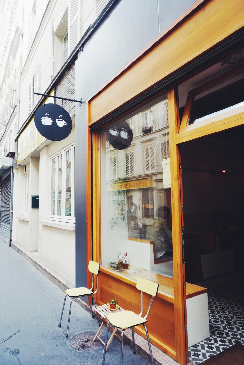 HolyBelly Cafe Paris