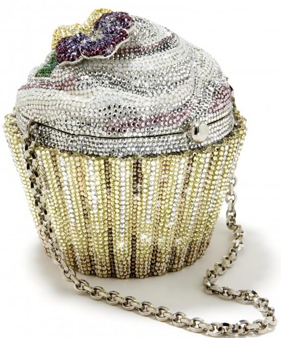 Judith-Leiber-cupcake-bag0068-e1313162368790-550x660.jpg