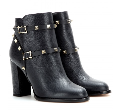 Elegant lady rockstud boot by Valentino