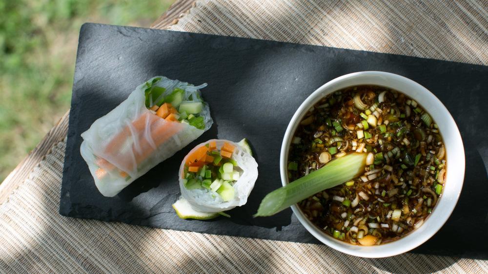 Asian dip for rolls